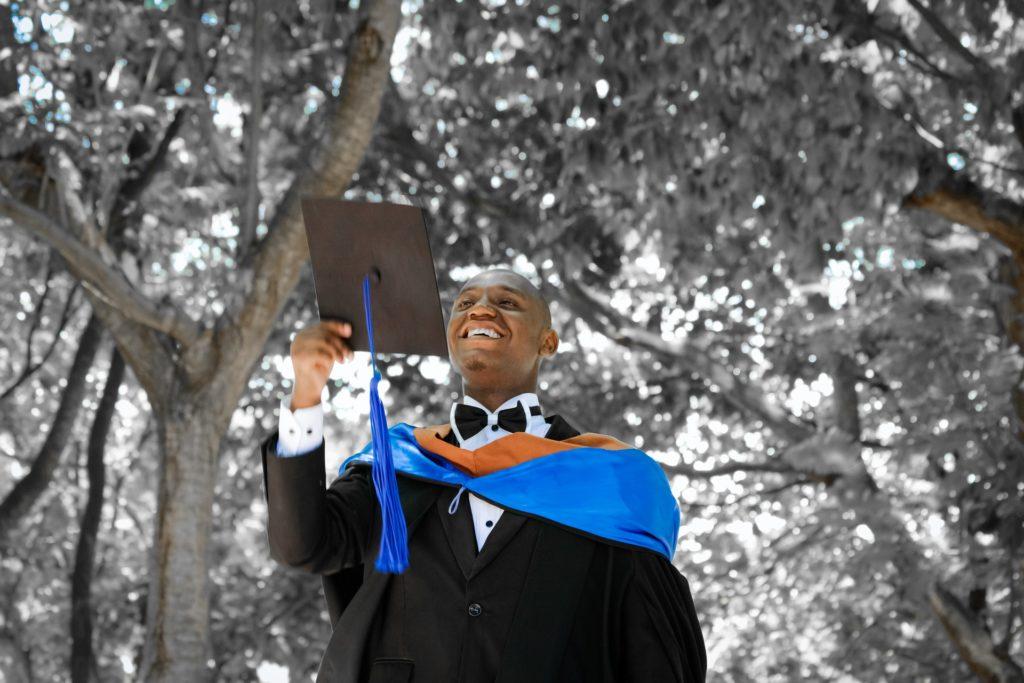 graduation-2349741_1920